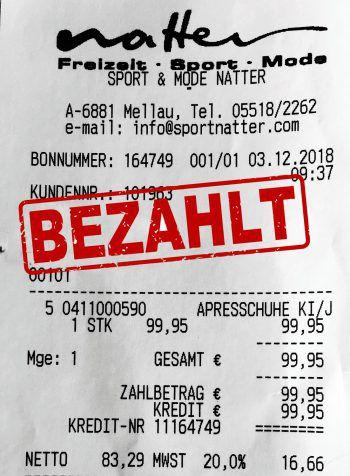 """<p class=""""caption"""">99,95 Euro: Ulrike Lang aus Egg, Goretexschuhe für den Neffen.</p>"""