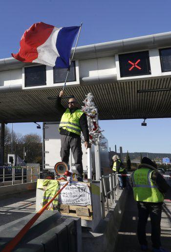 """Die """"Gelbwesten"""" wollen kommenden Samstag wieder protestieren. Foto: AP"""