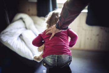 Gewalt ist für viele gestresste Eltern leider oft der letzte Ausweg.Symbolfoto: Sams