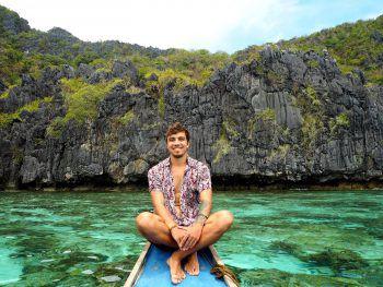 """Michi bei einer Bootstour in die """"Small Lagoon"""" auf Palawan, Philippinen. Fotos: Moosmann"""