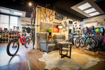 Von 4. bis 7. Dezember gibt's Bikebekleidung und lagernde Räder stark reduziert – am besten gleich zuschlagen!
