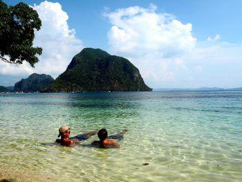 """<p>Wunderschön: """"Wir paddelten mit Kajaks zur Insel Palawan, Philippinen, dort ist das Meer türkisblau und wunderschön.""""</p>"""