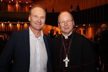 """<p class=""""caption"""">Bgm. Guido Flatz und Bischof Benno.</p>"""