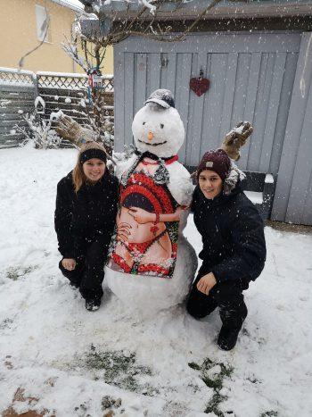 """<p class=""""caption"""">Sebastian und Annika hatten schon ihren Spaß im vielen Schnee.</p><p class=""""caption"""" />"""