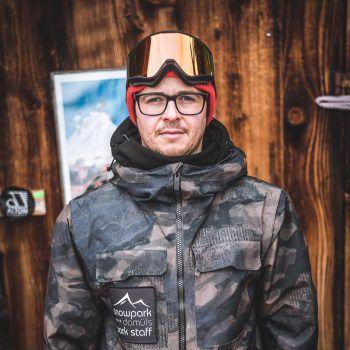 """<p>Thomas Alton, Alton Premium Board Store: """"Vorarlberg bietet das beste Wintersportangebot – ein Wahnsinns- Backcountry, grandiose Pisten, top Snowparks und leckere Gastronomie – es bleiben keine Wünsche offen. Mein Tipp und zweite Heimat: Damüls-Mellau.""""</p>"""