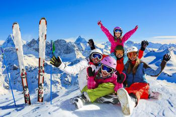 Am Sonnenkopf fühlen sich kleine und große Skifans wohl.Foto: handout/Klostertaler Bergbahnen