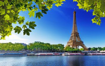 Ein Spaziergang entlang der Seine mit Blick auf den Eiffelturm gehört zu jeder Parisreise einfach dazu.Fotos: handout/Herburger Reisen