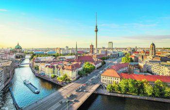 Mitmachen und eine Reise für zwei Personen nach Berlin gewinnen.