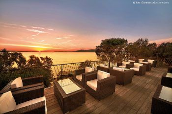 Romantik pur bietet der Sonnenuntergang beim Hotel Capo d'Orso*****.
