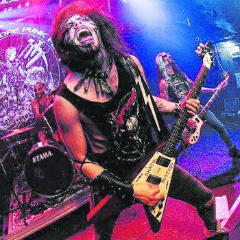 Speed Metal Punk von Indian Nightmare gibt es am Freitag im Schlachhaus. Foto: handout/Konzett