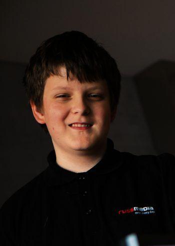 """Benjamin Begander, 14, Dornbirn: """"Ich programmiere ein Pong – ein Tennisspiel. Dafür habe ich mich schon vor längerer Zeit entschieden. Ich finde es wichtig, dass ich das beim Programmieren Erlernte auch einbauen kann."""""""