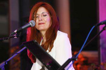 """<p class=""""caption"""">Chantal Dorn sorgte für den passenden musikalischen Rahmen.</p>"""