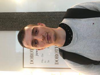 """<p>Marek, 24: """"Ich finde es sehr interessant, sich den Funken anzuschauen und für mich ist es immer wieder ein tolles Erlebnis. Ich werde aber trotzdem am Samstag nicht auf den Lustenauer Funken gehen.""""</p>"""