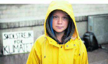 Mit ihr fing im vergangenen Jahr alles an: Die 16-jährige Schwedin Greta Thunberg wurde zum Gesicht der neuen jungen Klimaschutzbewegung. Die engagierte Schülerin ist auch an vorderster Front bei den Demos dabei – am 28. Mai auch in Wien.Fotos: Anders Hellberg