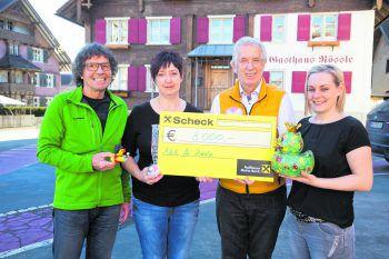 V.li.n.re.: Theo Fritsche, Priska Hartmann, Hubert Löffler, Nathalie Gasparini.Foto: handout / Netz für Kinder