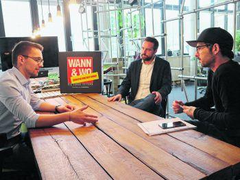 WANN & WO-Redakteur Harald Küng im Gespräch mit Christian Zoll (links) und Stefan Schnöll (rechts). Foto: Förtsch/WANN & WO