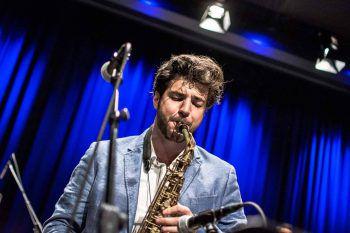 """Cenk Dogan ist neben Lukas Morre, Antonio Della Rossa und Philipp Mayer Mitbegründer der Reihe """"Fierobad-Jazz""""."""