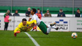 Lustenaus Toptorschütze Ronivaldo hatte gestern Ladehemmung.Foto: AFP