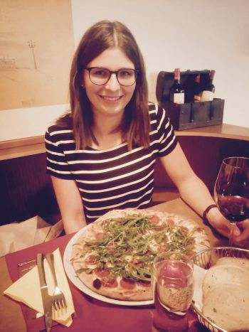 """<p class=""""title"""">               Pizzeria Antonio             </p><p>""""Jede Pizza wird vom Pizzabäcker von Hand zubereitet. Zusätzlich kann man sich aber auch von Wiener Schnitzel und Kässpätzle begeistern lassen.""""</p>"""