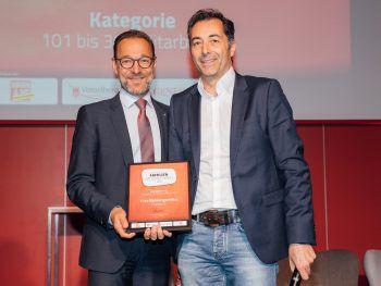 Der Firma 11er Nahrungsmittel in Frastanz wurde im letzten Jahr die Auszeichnung von Generali Landesdirektor Gerhard Böhler überreicht.Foto: Sams