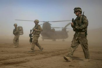Derzeit soll ein Plan zur Entsendung von 120.000 US-Soldaten in den Iran geprüft werden. Symbolfoto: AP