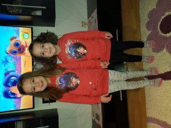 """In der Kategorie """"Online"""" konnten die beiden Schwestern Cristiana (6) und Mya (4) die meisten """"Likes"""" sammeln und sicherten sich somit den Sieg."""
