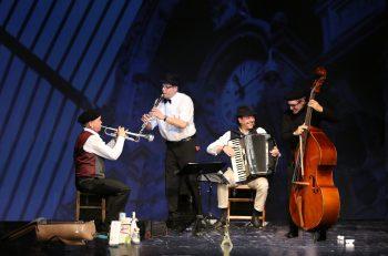 Die vier Musiker auf der Suche nach dem gemeinsamen Ziel. Foto: handout/Musikladen