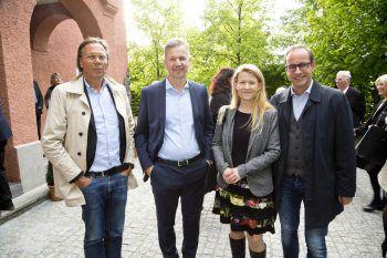 Harald Welzer, Markus Schadenbauer, Frauke Kühn und Bürgermeister Dieter Egger.