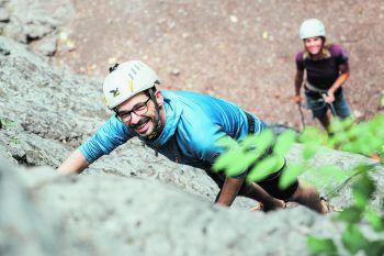 """""""Aufi aufn Berg"""": Klettern ist eine tolle Sportart, die immer mehr Zulauf bekommt. Je besser man geschult ist, desto geringer ist das Risiko.Fotos: Sams"""