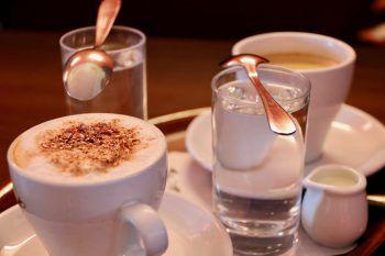 """<p class=""""title"""">               Café Waltner             </p><p>""""Im Café Waltner in Hard kann man sich am Nachmittag bei Kaffee und Kuchen gemütlich entspannen. Ideal, um sich mit seinen Freunden zu treffen. Die Konditorei zaubert tolle Torten, die dann die Gespräche und den Nachmittag versüßen.""""</p>"""