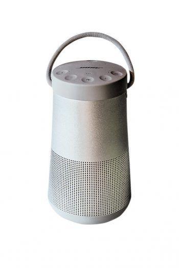 """<p class=""""caption"""">Der """"SoundLink Revolve"""" Lautsprecher von Bose sorgt für besten Klang. Gesehen bei Elektro Kolb in Hard.</p>"""
