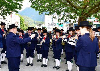 Die Bauernkapelle der Stadtmusik Bludenz spielt zum Frühschoppen.