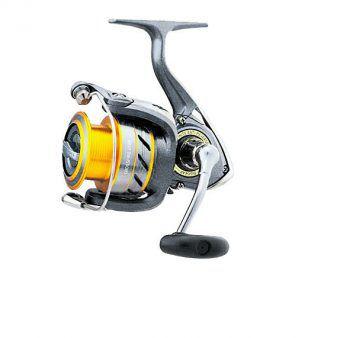 """<p class=""""caption"""">Die Crossfire-Spinnrolle mit Alu-Spule ist perfekt für alle Angler. Erhältlich im Angelfachmarkt Höchst, Preis: 29,90 Euro.</p>"""