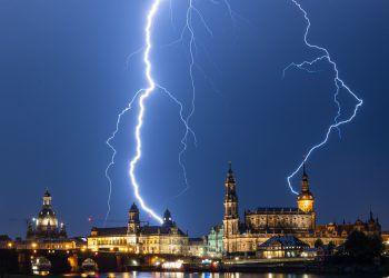 <p>Dresden. Imposant: Während eines Gewitters entstand diese beeindruckende Aufnahme.</p>