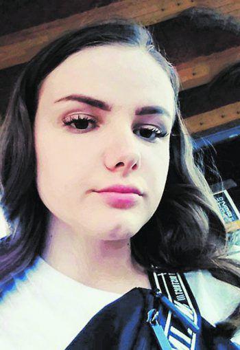 """<p>Ema, 15, Lustenau: """"Hass im Netz habe ich glücklicherweise persönlich noch nie erleben müssen, finde es aber sehr gemein, wenn Menschen andere Personen im Internet ohne Grund wüst beschimpfen. Wenn mir so etwas passieren würde, würde ich sofort meine Eltern darüber informieren.""""</p>"""