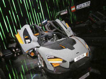"""<p>Los Angeles. Detailreich: Ein Lego-Nachbau eines """"McLaren Senna"""" auf der E3-Spielemesse.</p>"""