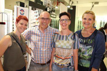 """<p class=""""caption"""">Martina, Enrico und Graziella Vith mit Dagmar Mündle</p>"""