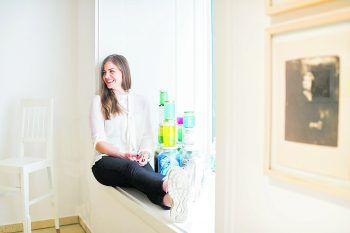 Sophia Vonier in ihrer Salzburger Galerie in der Wiener-Philharmoniker-Gasse. Auf der Art Bodensee wird sie ausgezeichnet.Foto: Hendrik Stoltenberg