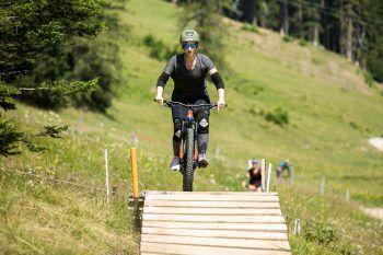 """<p class=""""caption"""">Als Rennradfahrerin saß WANN & WO-Redakteurin Anja zum ersten Mal auf einem Mountainbike.</p>"""