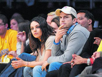 """Ashton KutcherDer Schauspieler besucht die Spiele der Lakers und Clippers aus Los Angeles meist mit seiner Partnerin. Nach Demi Moore darf nun Mila Kunis das Mitglied der """"Two and a Half Men"""" begleiten."""