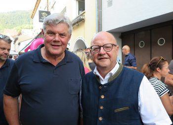 "<p class=""caption"">Bürgermeister Mandi Katzenmayer und Gerhard Krump. </p>"