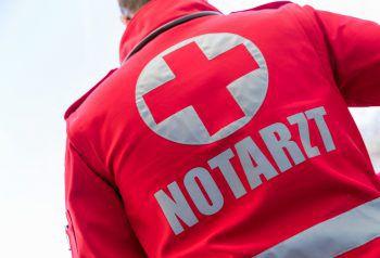 Die Seniorin wurde mit der Rettung ins LKH Feldkirch gebracht. Symbolfoto: APA