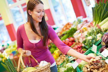 """<p class=""""title"""">               Ernährung             </p><p>Die Fleischproduktion trägt einen großen Teil zu den Klimagasen bei. Regional einkaufen und darauf achten, wie die Produkte hergestellt wurden. Nach Möglichkeit darauf achten, dass die Nahrungsmittel nicht unnötig in Plastik verpackt sind.</p><p />"""