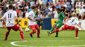 Sportchef Peter Handle vom FC Dornbirn glaubt nicht daran, dass in den kommenden Wochen auf der Birkenwiese gespielt wird.Foto: GEPA/Lerch