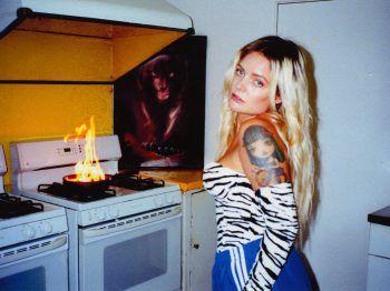 In ihren Songtexten verarbeitet Tove Lo ihre Erfahrungen und Gefühle. Am 7. August kann man die schwedische Sängerin in Feldkirch erleben. Fotos: handout/Poolbar