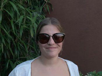 """<p>Julia, 18, Dornbirn: """"Meiner Meinung nach sind die langen Ferien passend. Es bleibt genügend Zeit, um ein Praktikum zu absolvieren und trotzdem besteht die Möglichkeit, zu Entspannen.""""</p>"""