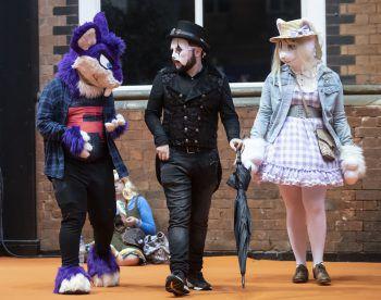 <p>Manchester. Schräg: CosPlayer haben sich für die Comic Con als Charaktere ihrer Lieblingsbücher verkleidet.</p>