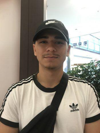 """<p>Mehmet, 17, Bregenz: """"Shisha-Bars sind Treffpunkte für Jugendliche. Es muss dort nicht zwingend geraucht werden. Manchmal trinken wir nur etwas und reden. Wären wir draußen, würden wir andere stören.""""</p>"""