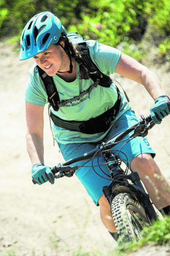 Regina hatte es satt, immer nur mit Männern oder allein zu biken – und gründetedeshalb die 'Exploristas'.Fotos: Breuß/Sams