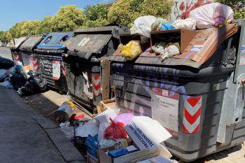 Rom versinkt im Müll. Foto: Reuters